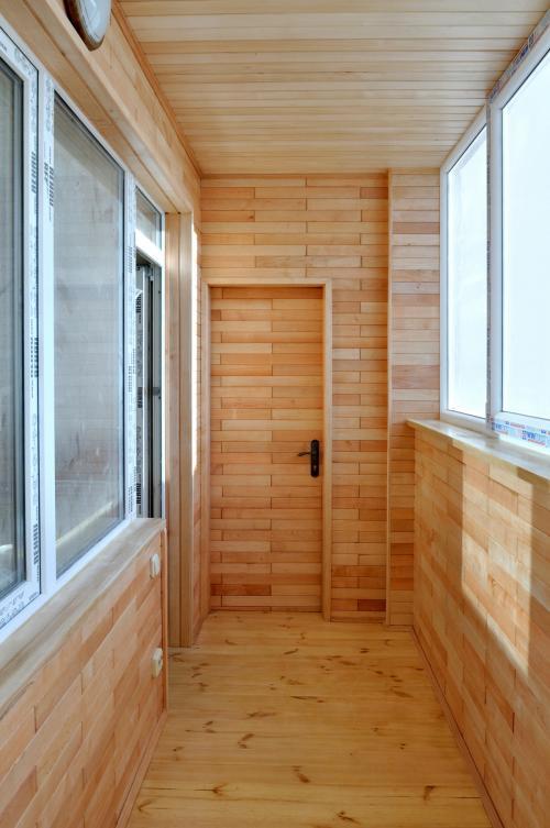 Деревянная вагонка без сучков для отделки балконов.